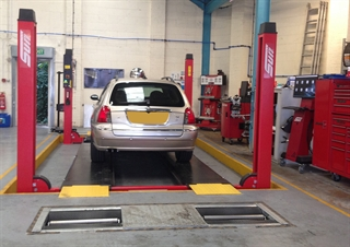 Motorcare in Woking purchased a Sun MOT bay.