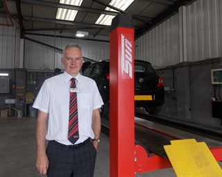 Thurlow Nunn in Holt purchased a Sun automated test lane and a V2200 wheel aligner.